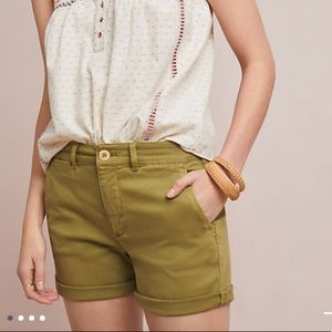 Anthropologie relaxed chino shorts, Moss, size 25